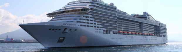 Le navi da crociera più belle che approdano a Napoli